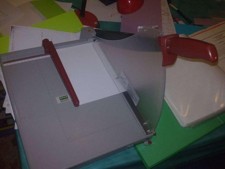 Come autocostruirsi un libro - Taglierina a ghigliottina