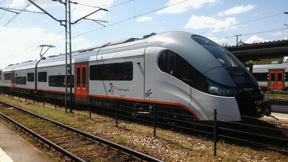 Treno veloce metropolitano