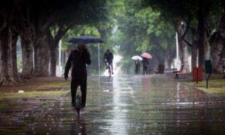In giro sotto la pioggia