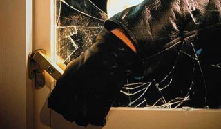 Vetro rotto dal ladro
