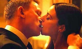 Baciare - CRAIG bacia la BELLUCCI