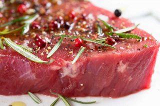 Carne marinata e speziata
