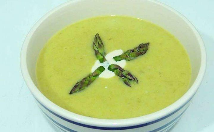 Crema di favette con asparagi - Ricette semplici