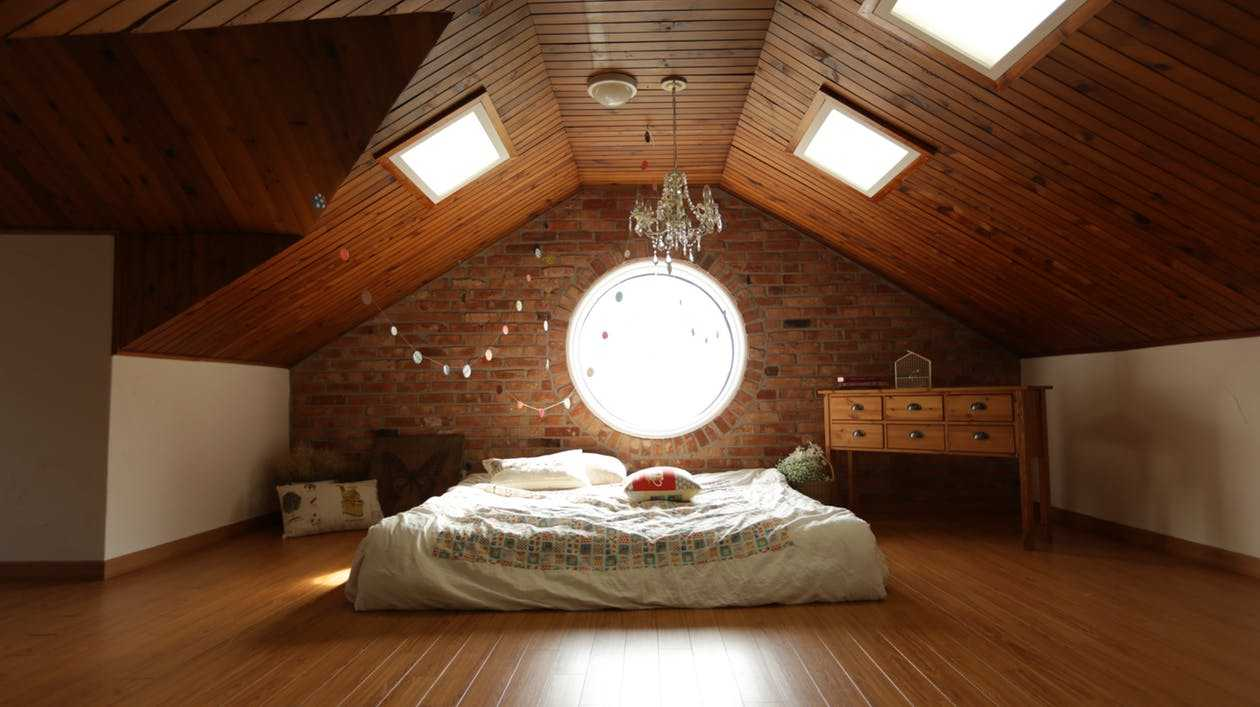 Letto nell'attico
