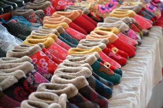 Scarponcini pantofole al mercato