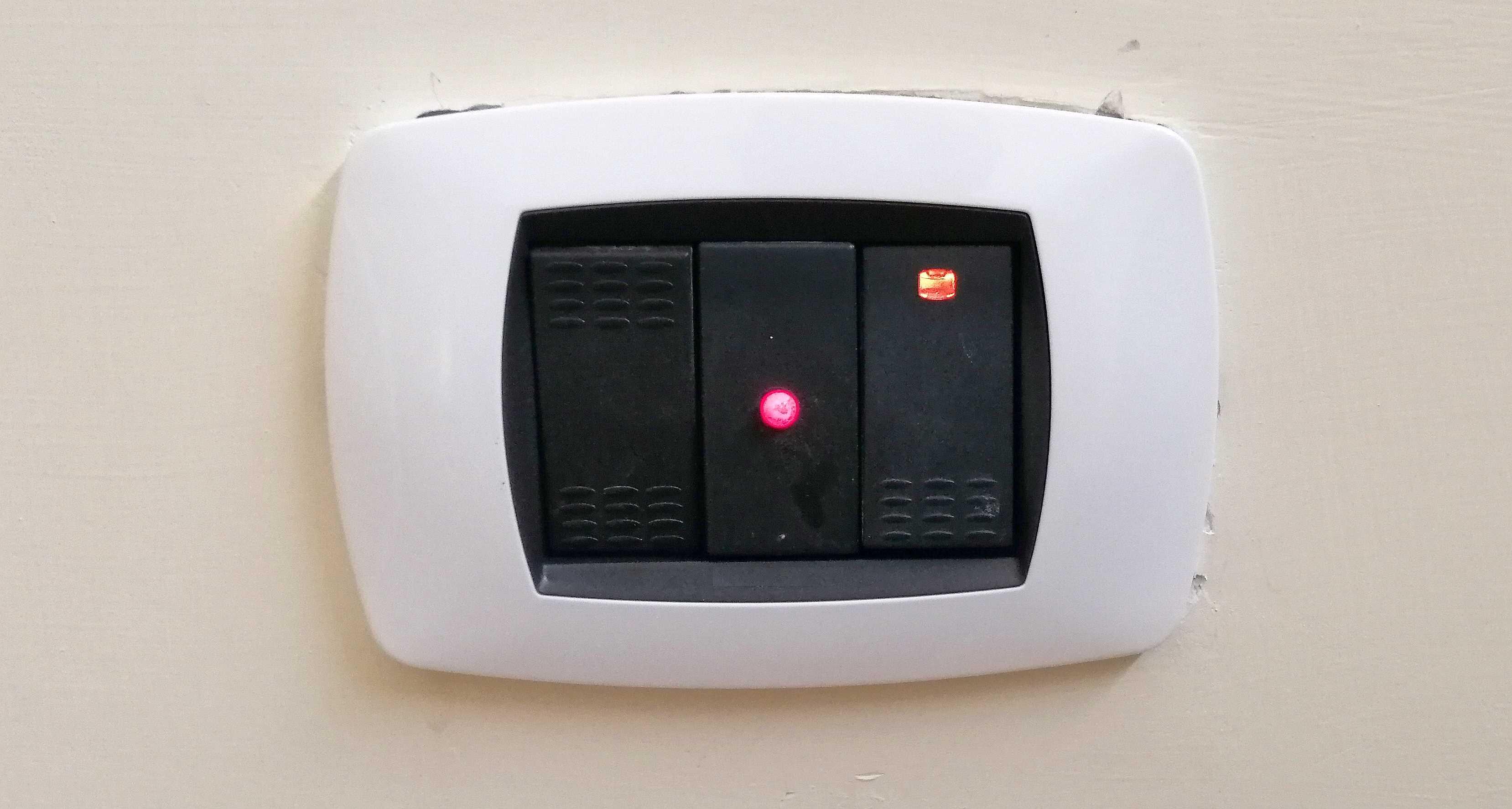 Applicazione pratica del progetto SPIA LED 220V