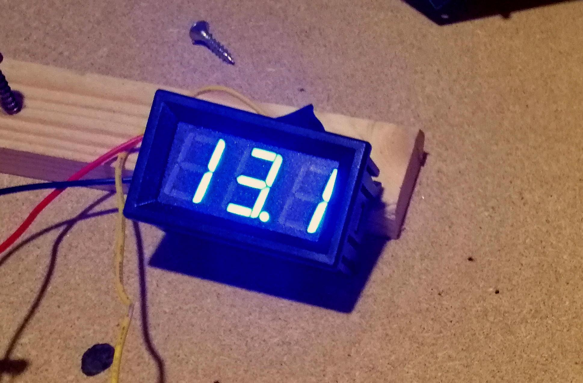 Voltmetro per l'alimentatore variabile