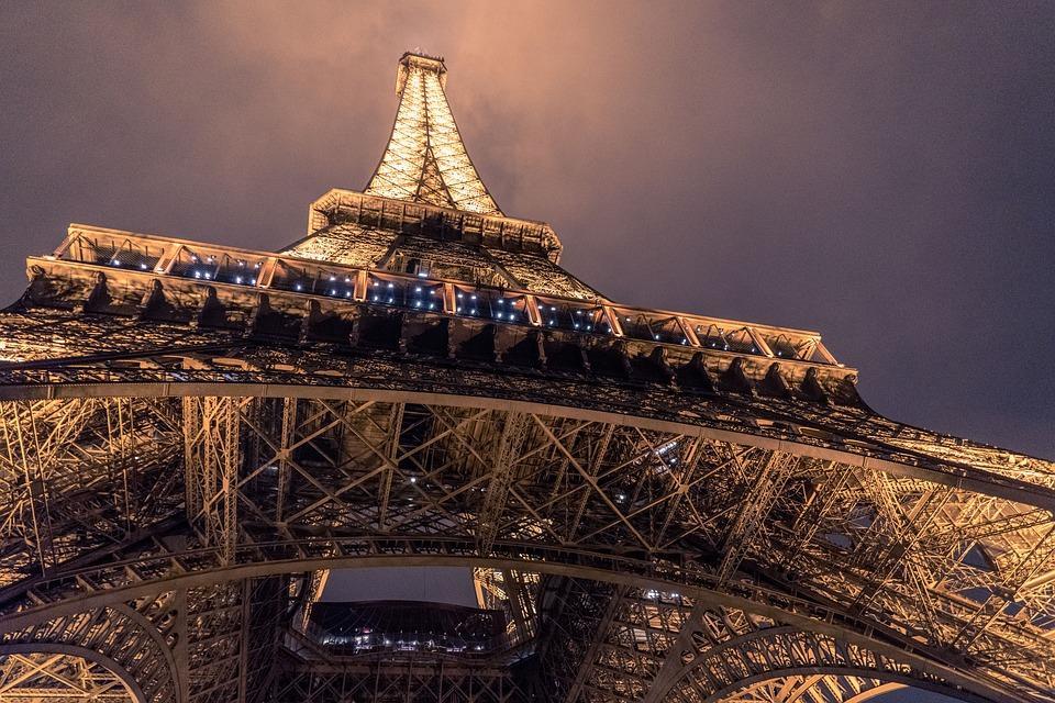 Termodinamica T051 - La Torre Eiffel - Problemi di Fisica