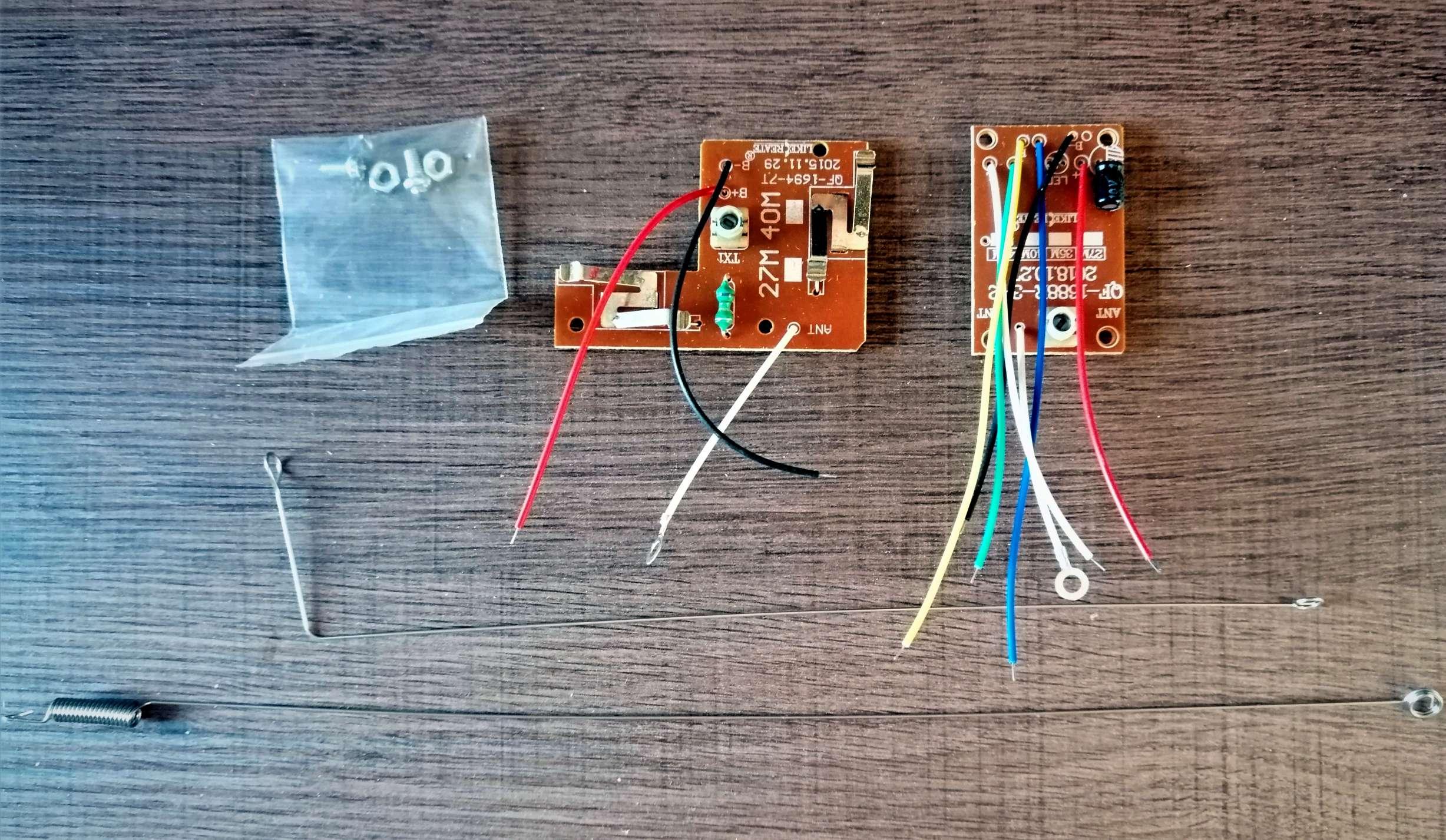 Interruttore Radiocomandato con Sensore di corrente - Trasmettitore Ricevitore 4CH 27Mhz