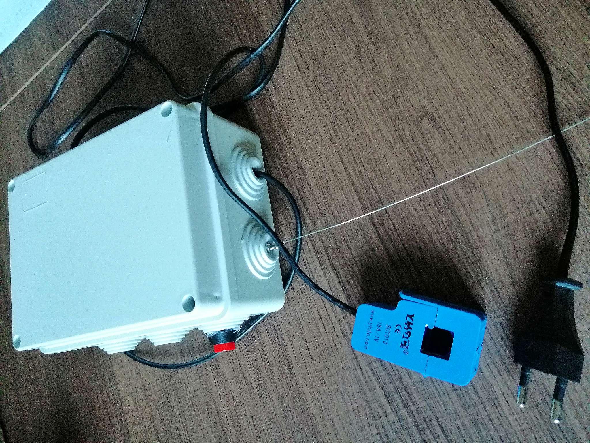 Interruttore Radiocomandato con Sensore di corrente - Boxaggio modulo trasmettitore con alimentatore
