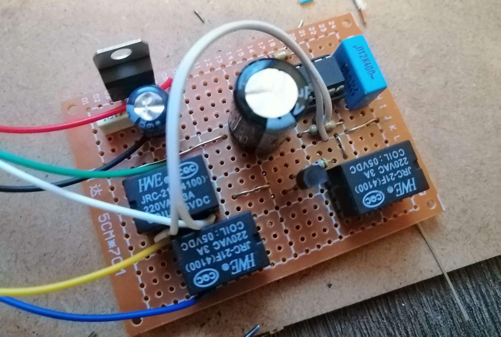 Interruttore Radiocomandato con Sensore di corrente - Modulo Alimentatore ricevitore e attuatore temporizzato