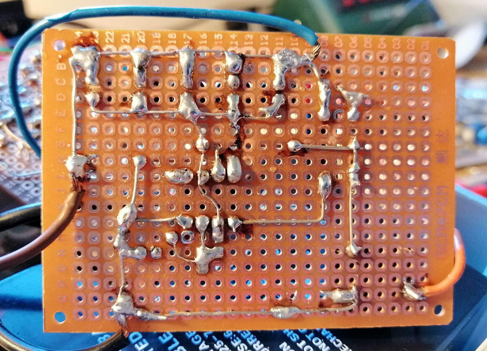 Interruttore Radiocomandato con Sensore di corrente - Multivibratore Astabile - Retro
