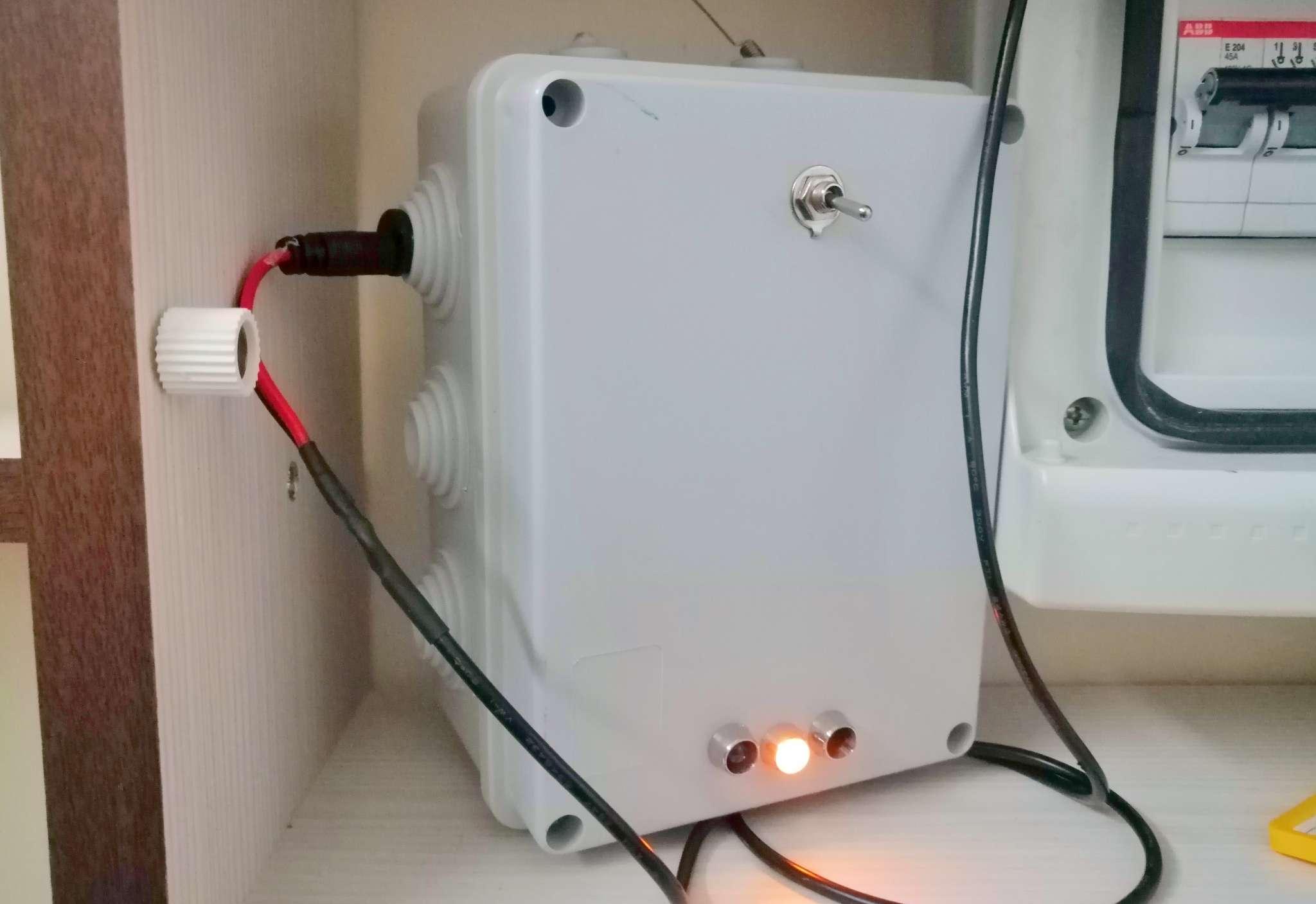 Interruttore Radiocomandato con Sensore di corrente - Posizionato dentro il portacontatori