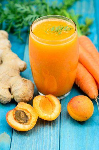 Spremuta di frutta e carote